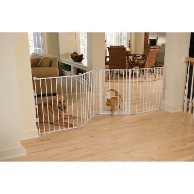 Carlson Pet Products Flexi Walk-Thru Gate with Pet Door