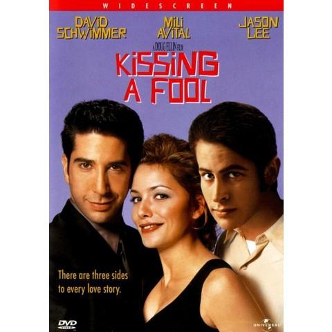 Kissing a Fool (Widescreen)