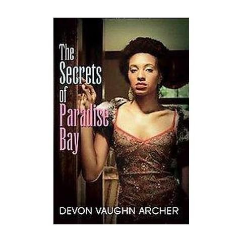 The Secrets of Paradise Bay (Paperback)