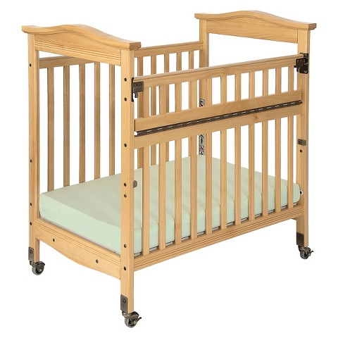 Foundations Biltmore SafeReach Compact Crib - Natural