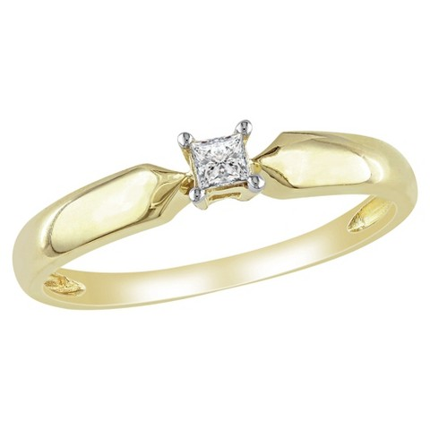 1/10 CT.T.W. Princess Diamond Solitaire Ring in Yellow Gold