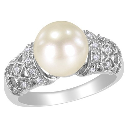 Diamond and White Pearl Ring