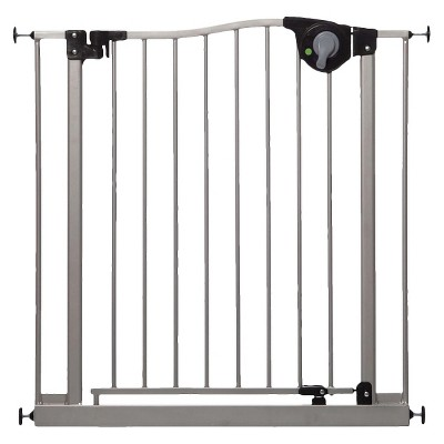 DreamBaby® Empire  Magnetic Sure-Close Baby Gate with Smart Stay-Open Feature Silver