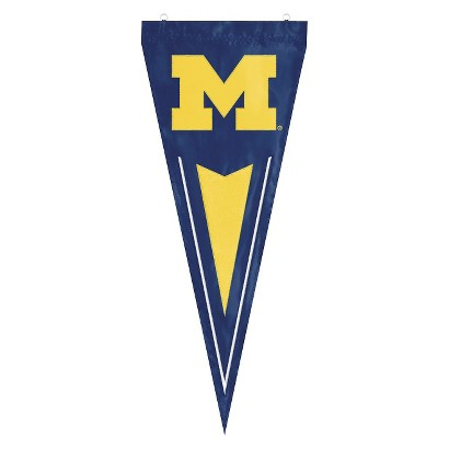 Michigan Wolverines College Yard Pennant