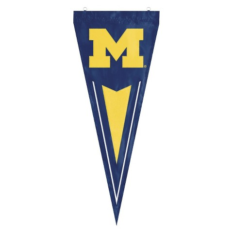 Michigan Wolverines College Yard Pennant