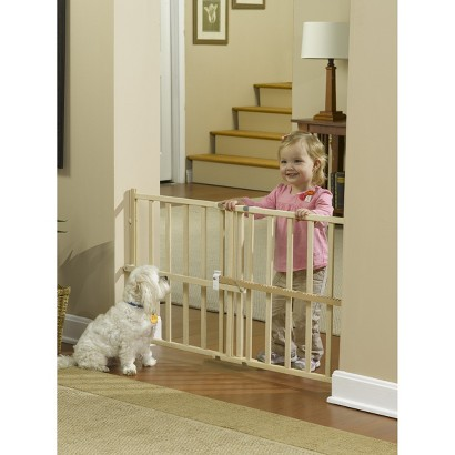 GuardMaster® III 475 Std. Wood Slat Pressure Baby and Pet Gate