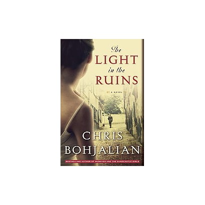 The Light in the Ruins (Large Print) (Paperback)
