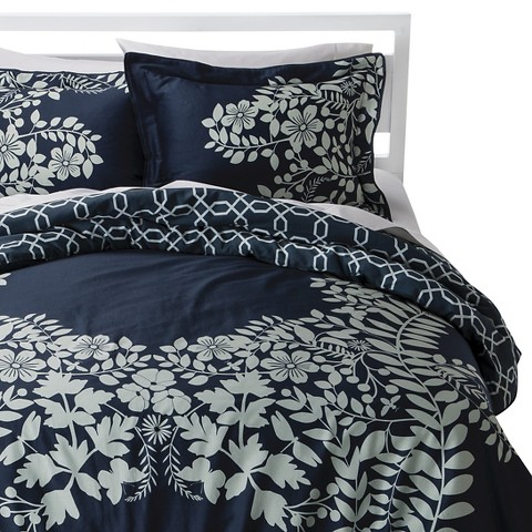 Placed Graphic Floral Comforter Set