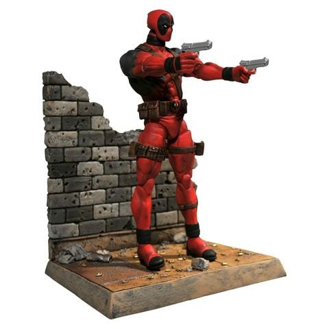Diamond Select Marvel Select -  Deadpool Action Figure