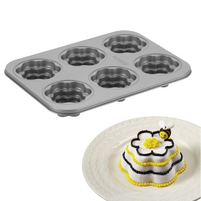 Cake Boss Novelty Bakeware 6-Cup Flower Cakelette Pan