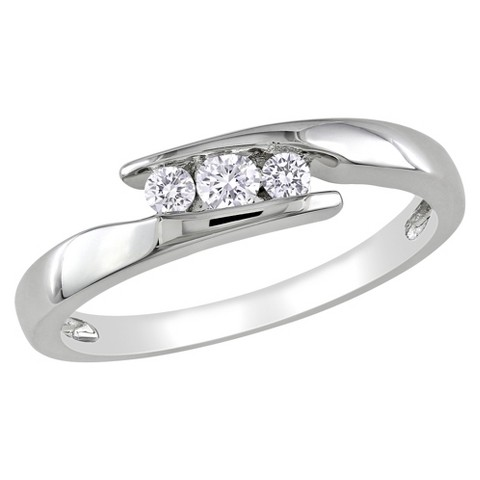 1/5 CT. T.W. Diamond Cocktail Ring - Silver