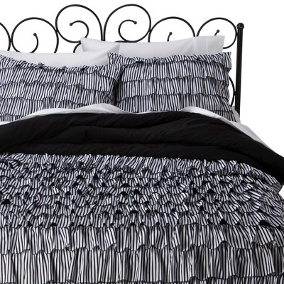 Comforter Set Xhilaration FULL/QUEEN Multicolor