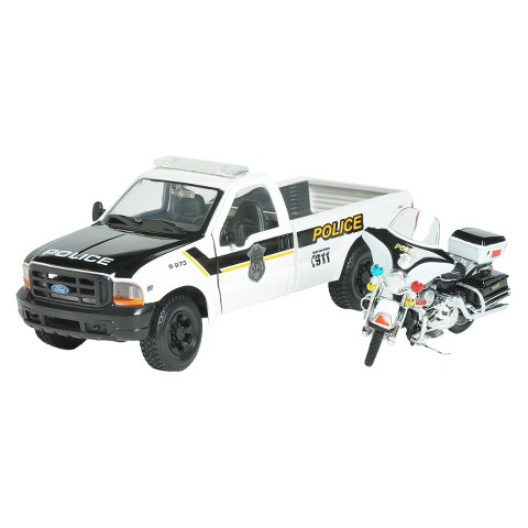 Maisto Harley-Davidson® 1:24 2004 FLHTPI Electra Glide® Police with 1999 Ford F-350 Super Duty Pickup