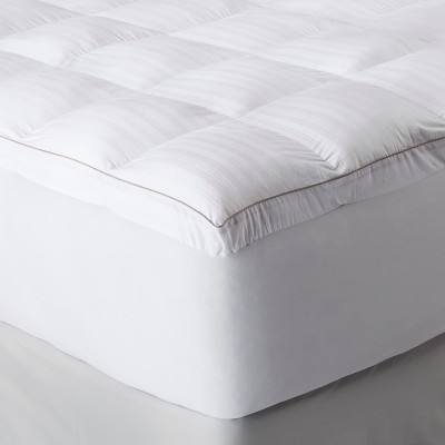 Fieldcrest® Luxury Memory Fiber Mattress Topper - 93 Oz White (Queen)
