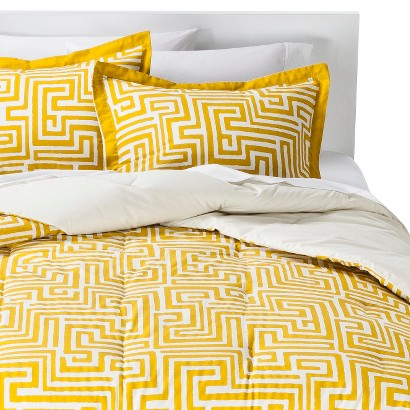 Room Essentials Maize Geo Comforter Set - Yellow (Full/Queen)