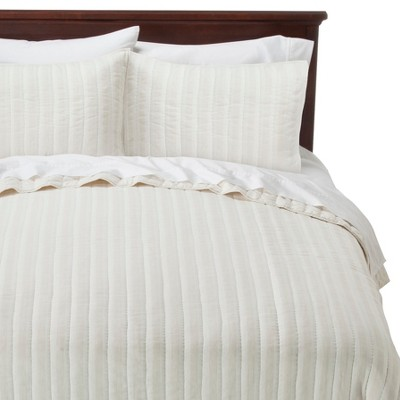 Threshold™  Textured Stripe Quilt - White (Full/Queen)