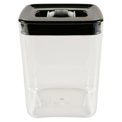 Canister Cube 4.5Qt. Click Clack Silver Lid W/ Tinted Base