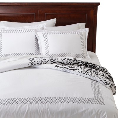 Cloud Company Delilah 3 Piece Hotel Bedding with Paisley Reverse - Black/White (Queen)