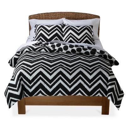 Mudhut Black and White Chevron Comforter Set