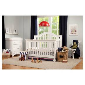 DaVinci Clover 4 In 1 Convertible Crib With Toddler Rail
