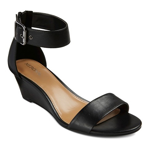 Free shipping and returns on Women's Black Ankle-Strap Sandals at cybergamesl.ga
