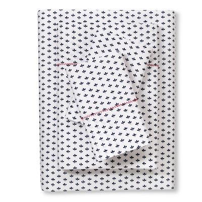 Brooklyn & Bond™ Little Petal Sheet Set Queen - Navy
