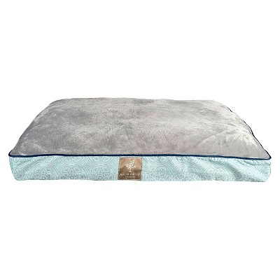 "Wild Olive Medallion Collection Gusset Pet Bed - Blue (27""x36""x3"")"
