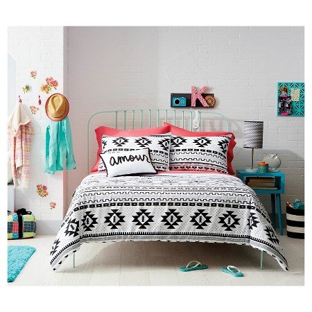 Target Comforters and Bedding Set Target comforters are blankets used to cover the bed. Complete Target bedding sets often include a duvet cover or comforter, sheets, and shams.