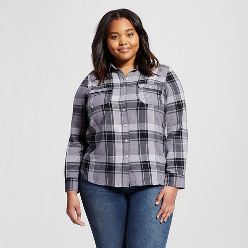 About Women's Plus Clothing Find your perfect fit: our women's plus size clothing is proportionately adjusted for a flattering and comfortable fit with signature Eddie Bauer quality and style. Available in plus sizes for women 1X-3X, 16WW.