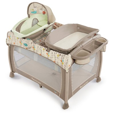 Ingenuity™ Washable Playard Deluxe with Dream Centre™ – Seneca™