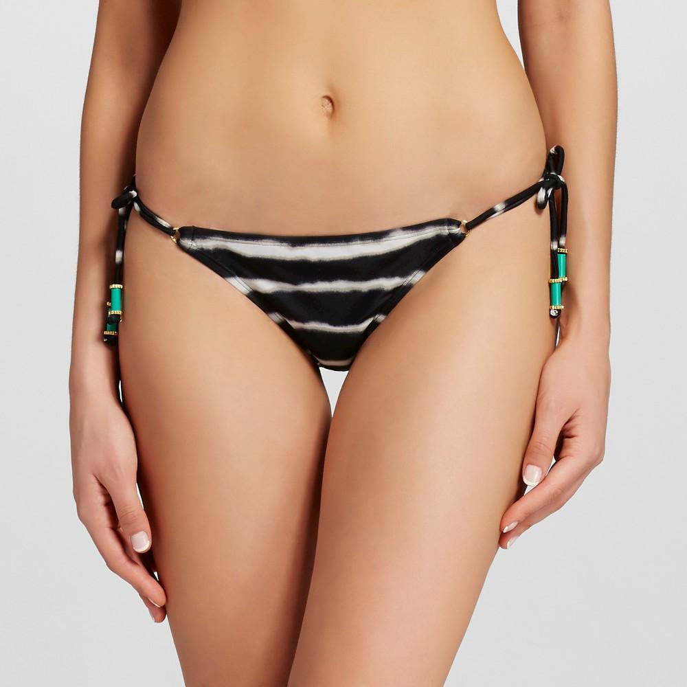 string bikini essay Watch video plus-sized model ashley graham rocks tiny bikini in  to name a few — a curvier woman totally rocking a string bikini will  she penned an essay for net.