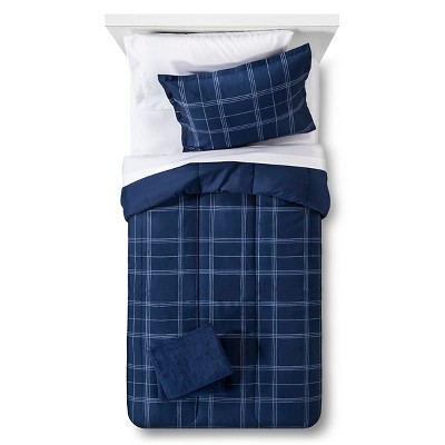 Bedding Set Reversible with Towels Plaid Queen Navy - Room Essentials™