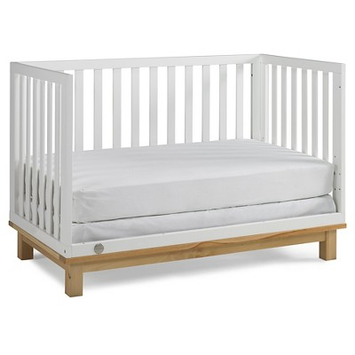 Fisher-Price Standard Full-sized Crib - Snow White/Natural
