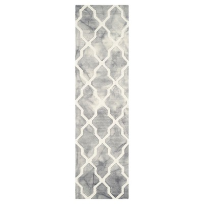 """Safavieh Page Accent Rug - Grey / Ivory (2'3"""" X 8')"""