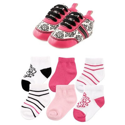 Yoga Sprout Baby Girls' 7 Piece Shoes & Socks Gift Set - Damask 6-12M