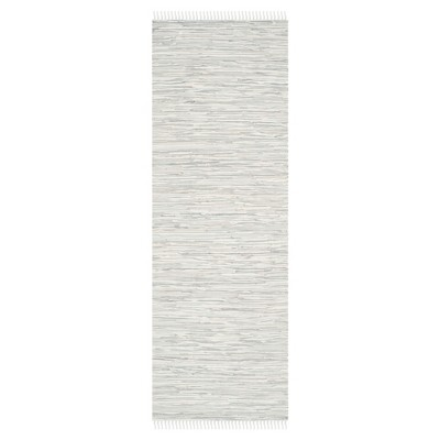 "Safavieh Chasen Flatweave Accent Rug - Silver (2' 3"" X 5')"