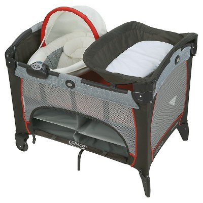 Graco® Pack n' Play Playard Newborn Napper DLX - Solar