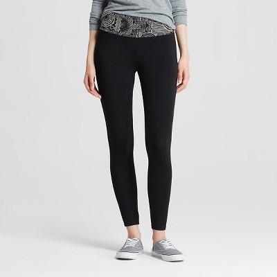 Women's Yoga Capri Flat Waistband Black and Cream Print XL - Mossimo Supply Co.™ (Juniors')