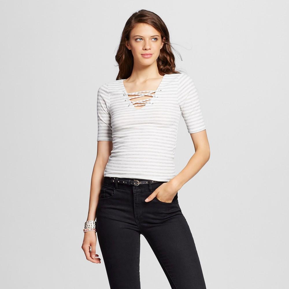 Women's Crochet Back Swing T-Shirt Heather Gray M - Almost Famous (Juniors'), Size: Medium