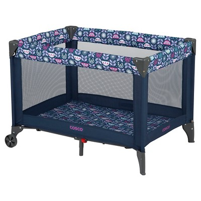 Cosco Funsport Playard in Poppy Field