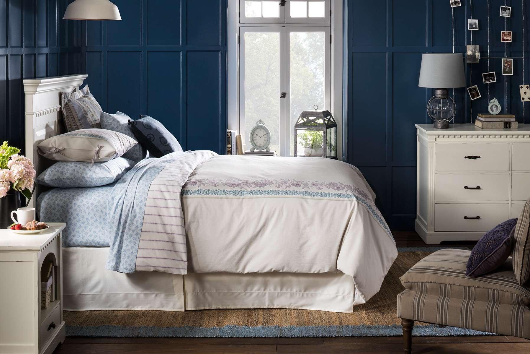 Quilt blanket rack bedroom furniture target for Bedroom furniture target